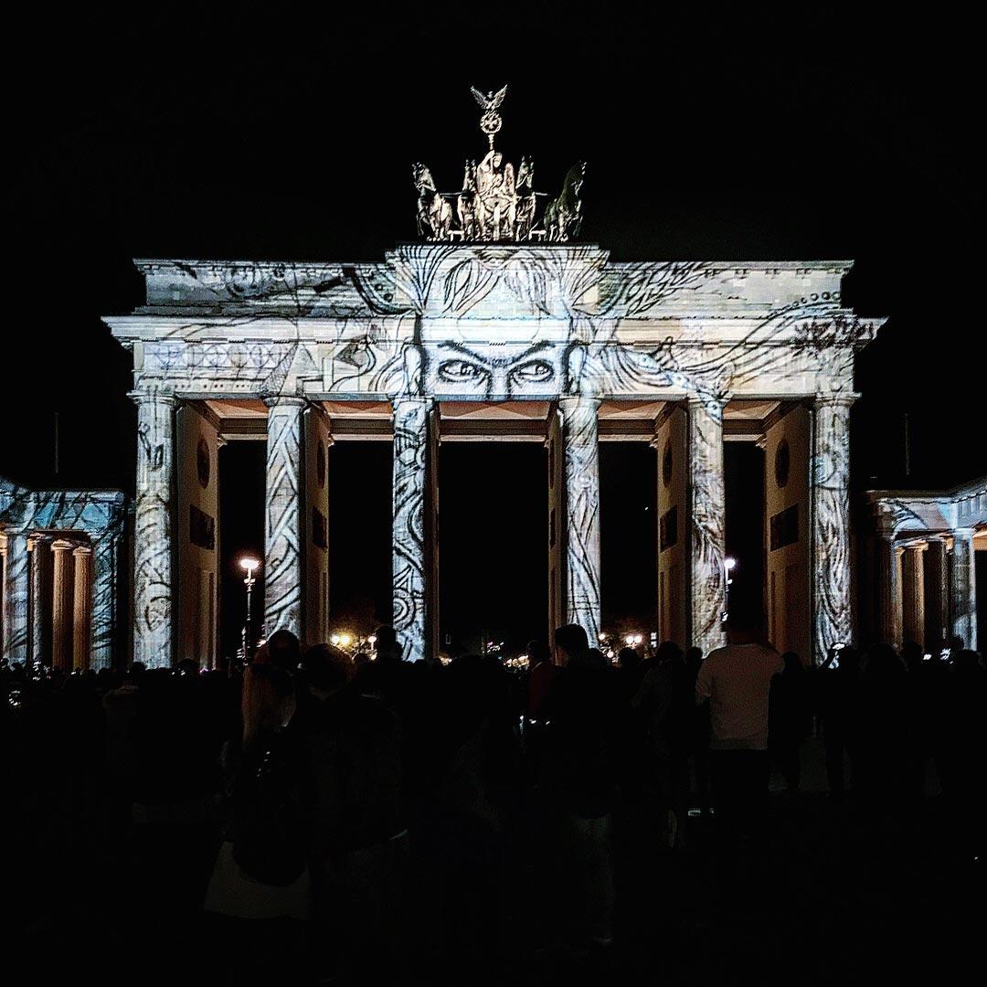 Festival of Lights 2017: Das Brandenburger Tor beobachtet uns