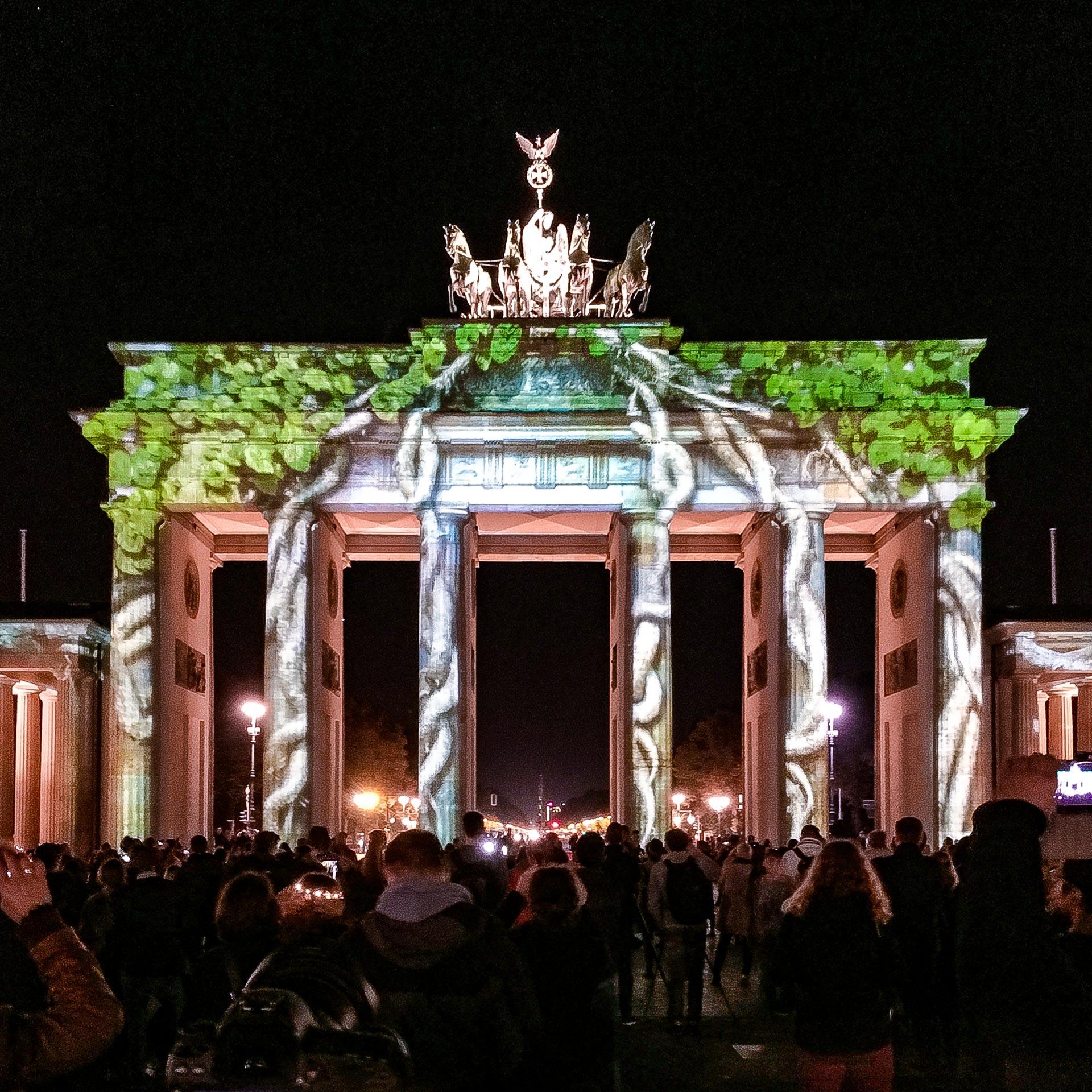 Festival of Lights 2017: Das Brandenburger Tor steht im Wald