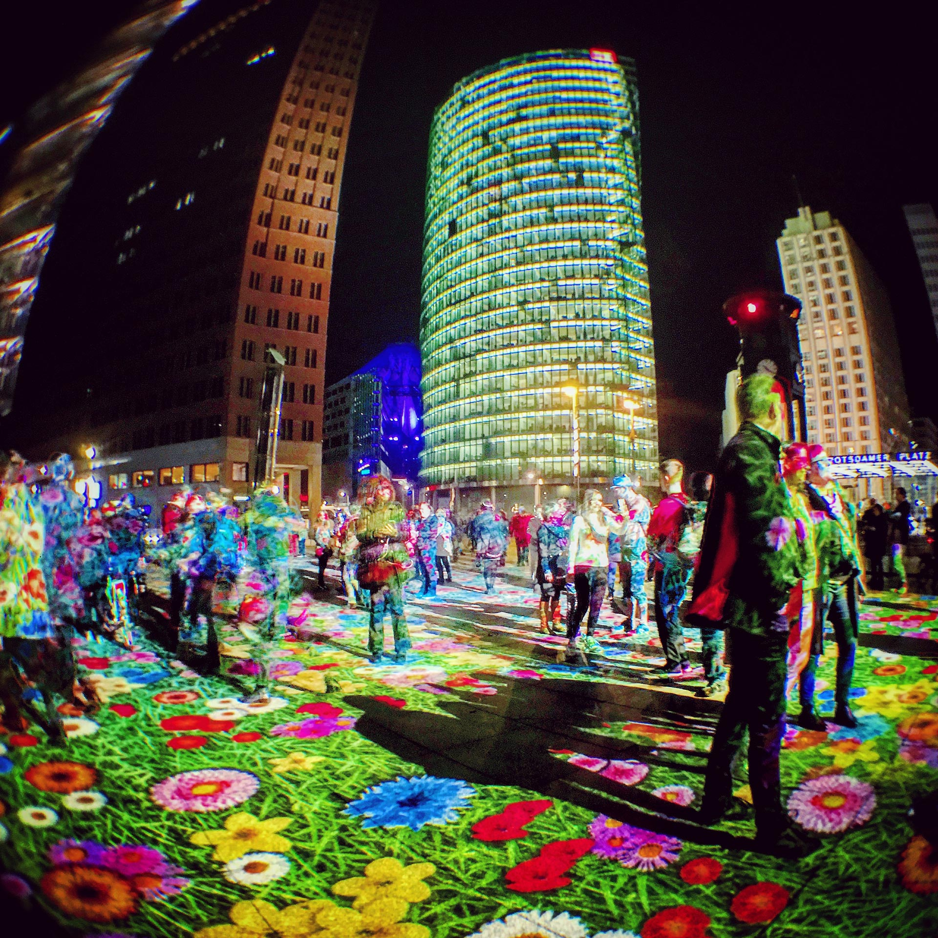 Festival of Lights 2017: Blumenwiese auf dem Potsdamer Platz